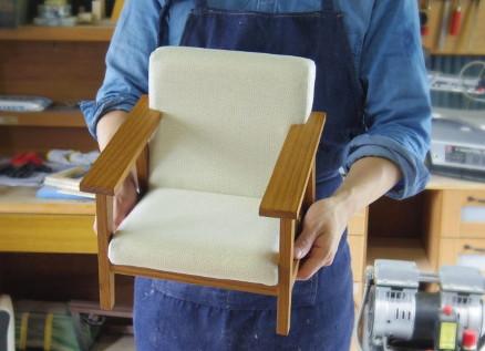 木製のドールチェアを1/3サイズでお探しの方は【konoko.is】へお問い合わせを